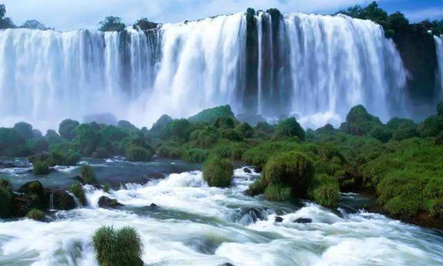 《望庐山瀑布》